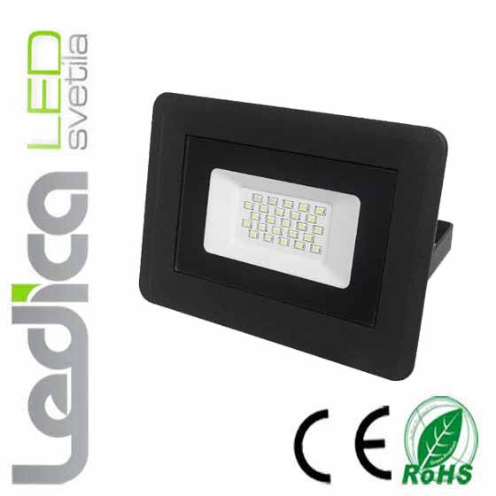 20W led reflektor IP65 črni