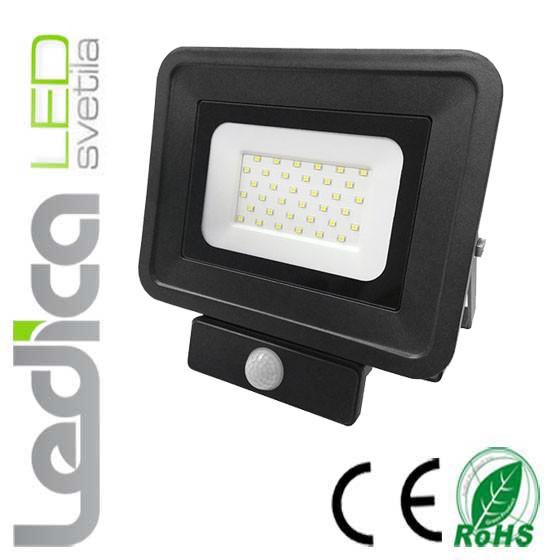 Reflektor 30W s senzorjem